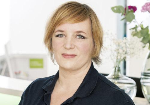 Dr Eva Giebler