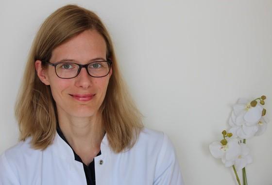 Portrait von Allgemeinmedizinerin Dr. Bernhardt